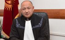 Парламент Жогорку соттун судьясы Камил Осмоналиев. Архивдик сүрөт