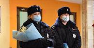 Сотрудники полиции, оказавшие помощь роженице из Кыргызстана в московском метро