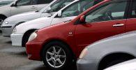 Автомобильный рынок. Архивное фото
