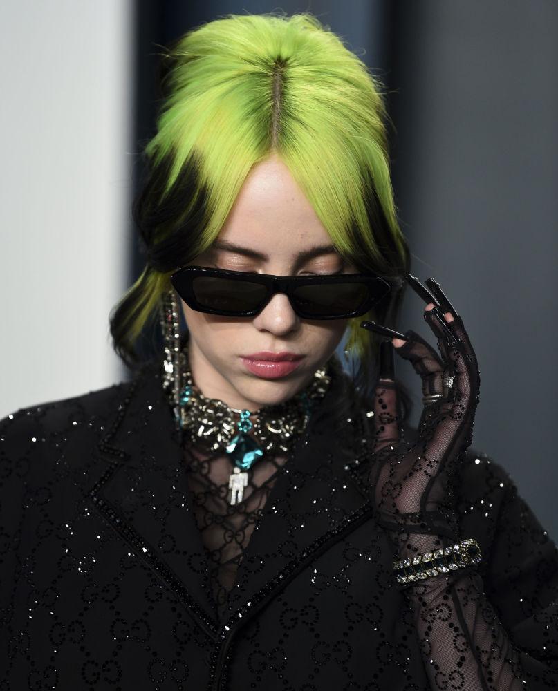 В список попала и певица Билли Айлиш с доходом в 53 миллиона долларов