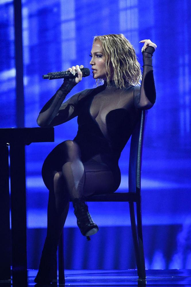 Певица Дженнифер Лопес на 56-й позиции с доходом в 47,5 миллиона долларов