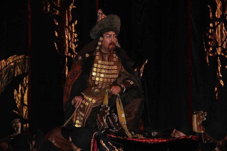 КРдин эл артисти театрда Чыңгыз хандын образында