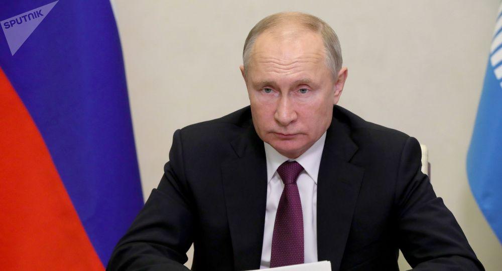 Президент РФ В. Путин принимает участие в онлайн-заседании Совета глав государств СНГ в режиме видеоконференции. 18 декабря 2020 года