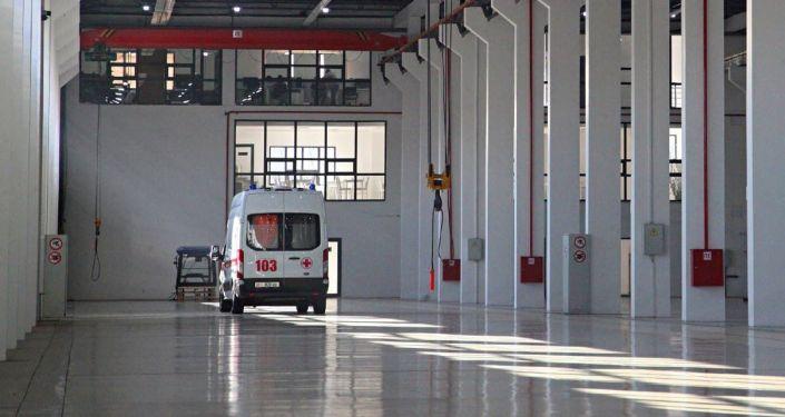 Автомобиль скорой помощи в машиностроительном заводе Кыргыз унаа курулуш в Оше