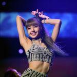 Рейтингде биринчи орунду Түштүк Кореянын BlackPink музыкалык тобунун мүчөсү Лиза ээледи. Ал былтыр да эң сулуу деп табылган
