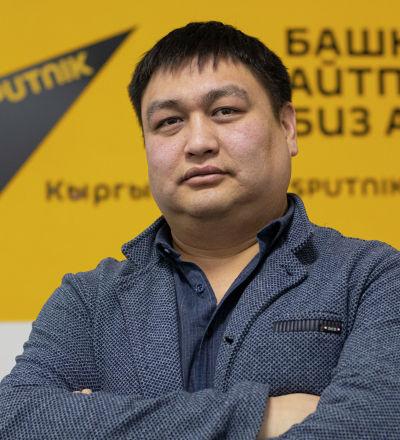 Кинообозреватель радио Sputnik Кыргызстан Нурбек Иманов