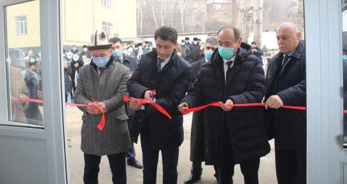 Церемония открытия новой инфекционной больницы в Кадамжае