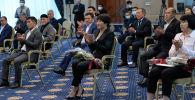 Президенттин милдетин аткаруучу, Жогорку Кеңештин төрагасы Талант Мамытов бүгүн, 23-декабрда, спорттук күрөштүн түрлөрүнөн Дүйнө кубогунда ийгилик жараткан балбандарды, машыктыруучуларды куттуктады