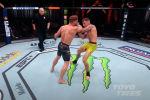 Турнир с участием кыргызстанского бойца Рафаэля Физиева включен в список лучших бойцовских мероприятий UFC уходящего, 2020 года.