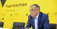 Заместитель министра финансов Улукбек Кармышаков в мультимедийном пресс-центре Sputnik Кыргызстан