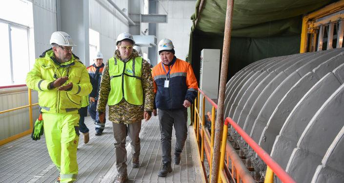 И.о премьер-министра КР Артем Новиков в ходе рабочей поездки в Джалал-Абадскую область посетил предприятие KAZ Minerals Бозымчак