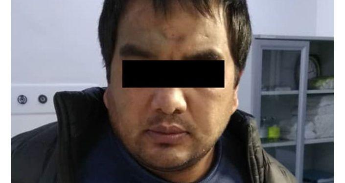 Отмечается, что задержанные М. А. и Р. Ж. скрывались на территории КР после побега из мест заключения за совершение особо тяжких преступлений