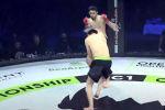 Боец-дебютант из Кыргызстана Султанбек Парпибаев рассмешил зрителей и пользователей соцсети, пытаясь показать зрелищный бой на турнире ММА.