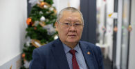 Омбудсмен КР Токон Мамытов во время беседы в офисе Sputnik Кыргызстан