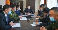 Премьер-министрдин м.а. Артем Новиков өлкөдөгү коомдук-саясий абал боюнча кеңешме өткөрдү