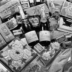 Елисеевский дүкөнүндөгү жаңы жылдык дасторкон үчүн керектүүлөр. 1954