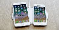 Смартфоны iPhone заряжаются на AirPower. Архивное фото