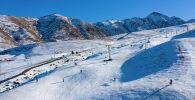 Вид на горнолыжную базу ЗиЛ в селе Таш-Башат. Архивное фото