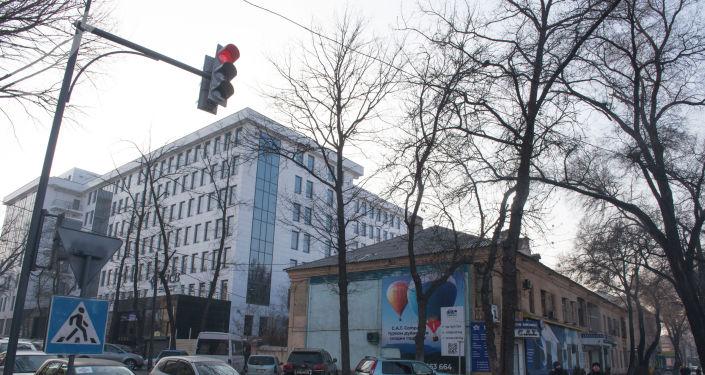 В Бишкеке на пересечении проспекта Чуй и улицы Панфилова появился светофор
