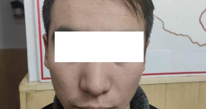 Под Бишкеком в селе Лебединовка мужчина угнал машину с автомойки и уехал на ней в город Нарын