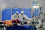 Медицинские работники в отделении больницы