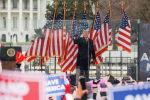 АКШ президенти Дональд Трамп митинг өткөрүп жатат