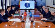 Наблюдатели от МПА СНГ также встретились с министром иностранных дел Русланом Казакбаевым. 08 января 2021 года