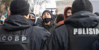 Участники митинга на площади Республики в Алма-Ате. Архивное фото