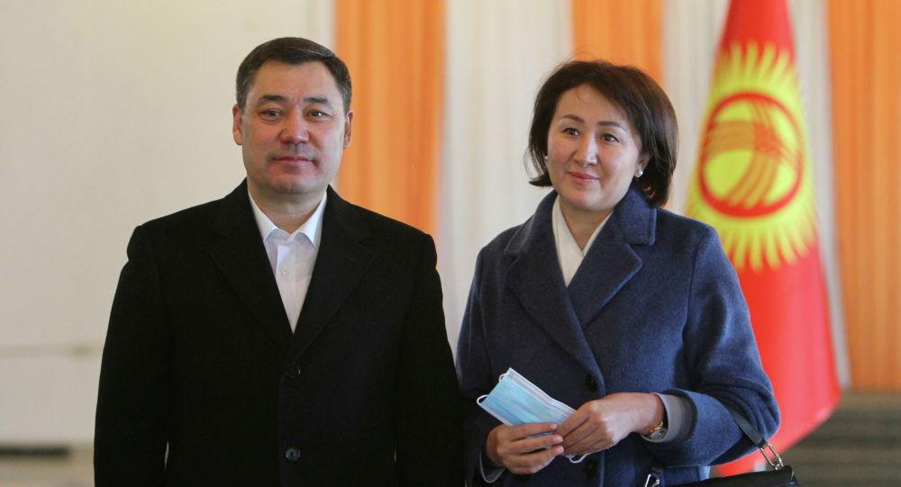 Президент КР Садыр Жапаров с супругой Айгуль Жапаровой. Архивное фото