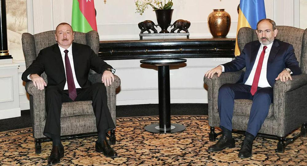 Встреча президента Азербайджана Ильхама Алиева и премьер-министра Армении Николы Пашиняна в Вене (Австрия). Архивное фото