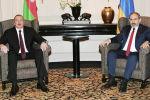 Азербайжандын президенти Ильхам Алиев жана Армениянын башчысы Никол Пашинян. Архивдик сүрөт
