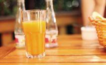 Апельсиновый сок в стакане. Архивное фото