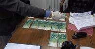 Социалдык фонддун Талас облусу боюнча башкармалыгынын жетекчиси пара берүүгө шектелип кармалды