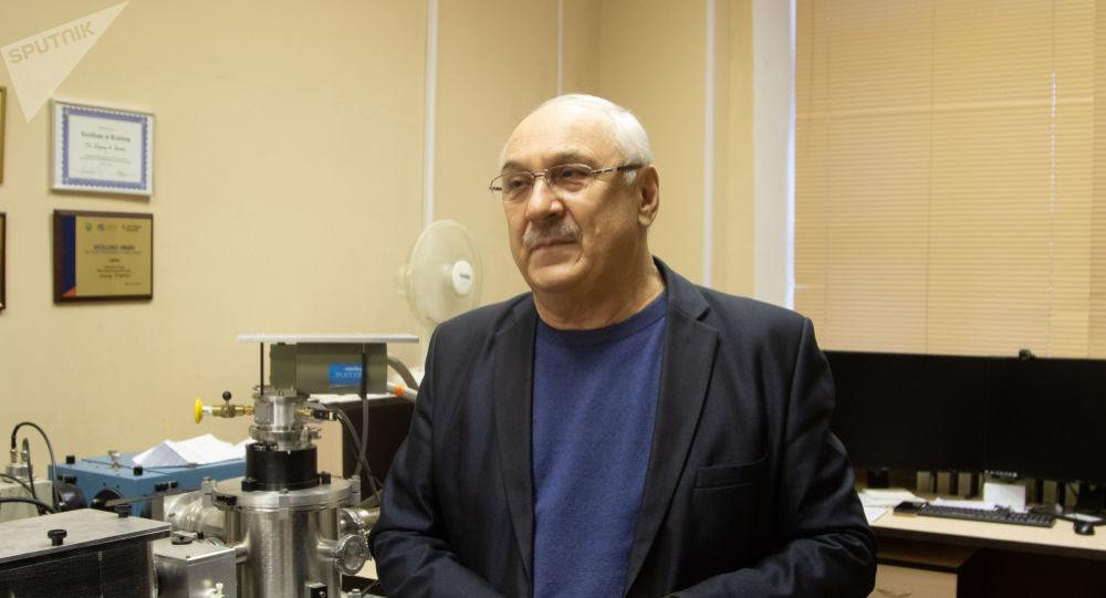 Профессор Уральского федерального университет имени Б.Н. Ельцина Анатолий Зацепин