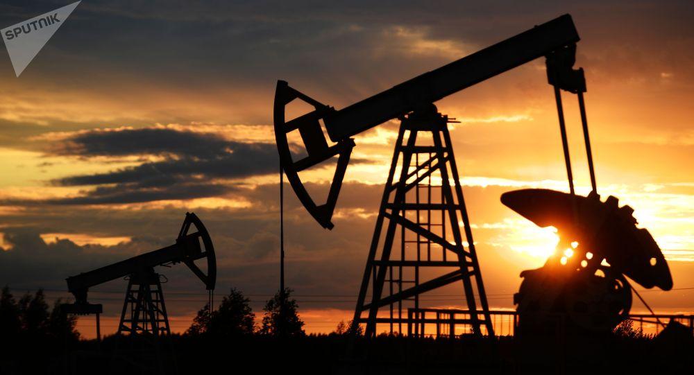 Нефть качалкасы. Архив