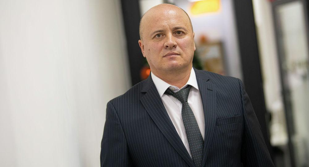 Председатель Ассоциации детективов Кыргызстана Русланбек Умаров в офисе Sputnik Кыргызстан