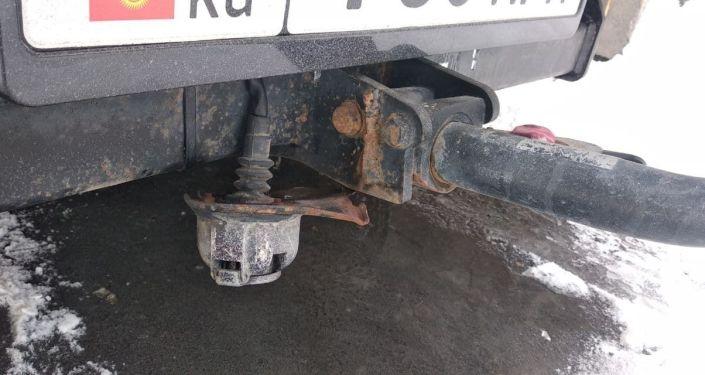 Ржавчина на кузове автомобиля, образованная из-за противогололедной соли