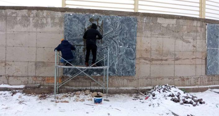 В Бишкеке создают арт-объект в этническом стиле, он появится в новом парке Ынтымак-2