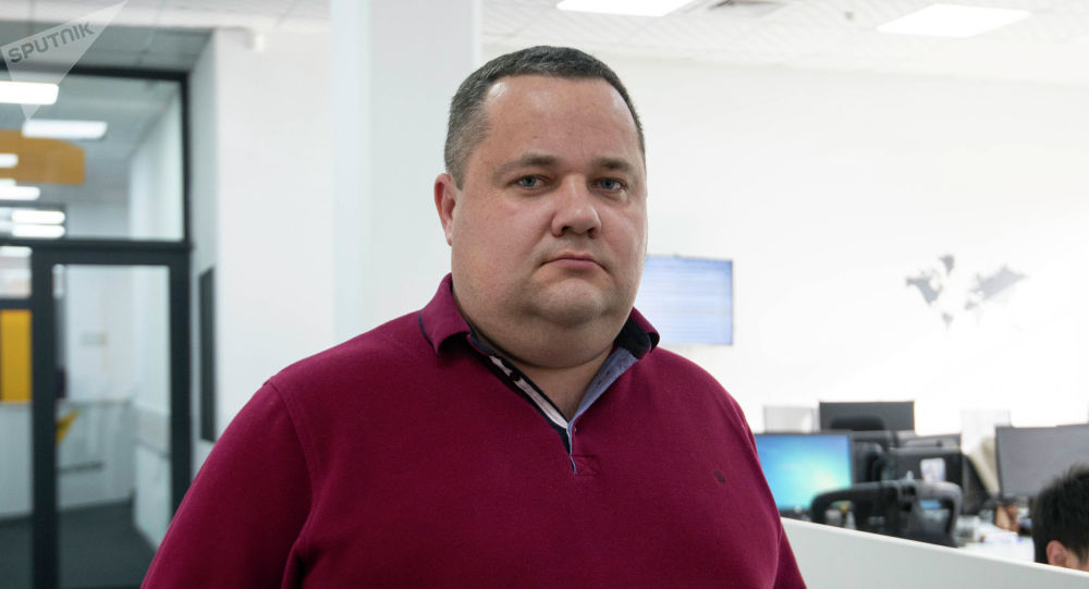 Директор единого правового центра Вигенс, юрист Владимир Плужник в офисе Sputnik Кыргызстан
