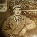 Иш тажрыйбасын Жусуп Баласагын атындагы Кыргыз улуттук университетинде араб тилинен сабак берүү менен баштаган
