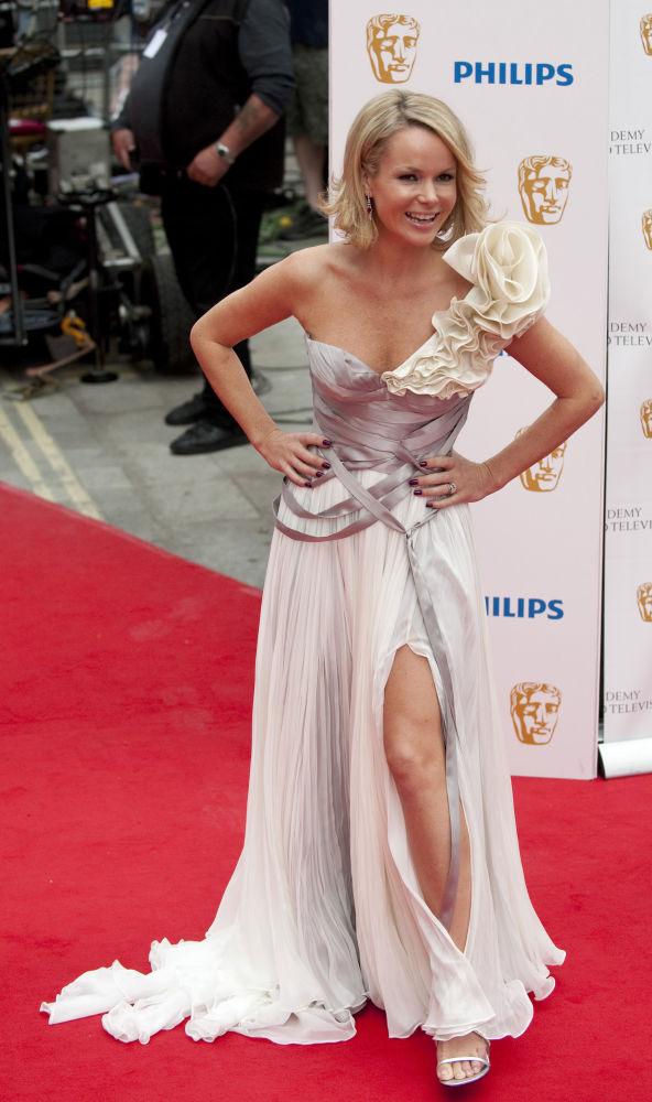 Актриса Аманда Холден на церемонии вручения премии Philips British Academy Television Awards в Лондоне