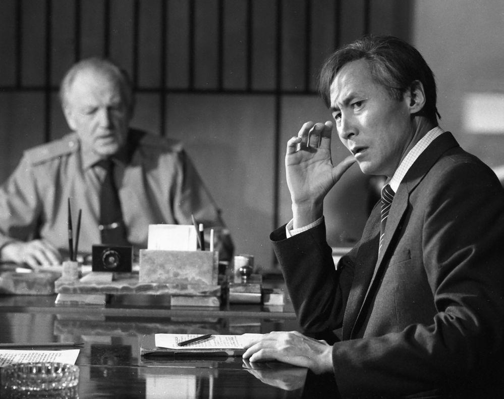 Сүймөнкул Чокморов Бөрү зындан фильминде акыркы жолу тартылган. Белгилүү актёр милиционердин образын жаратып, ал жылы катуу ооруп жүргөн
