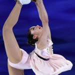 Американская фигуристка Алиса Лю выступает на чемпионате США по фигурному катанию на стадионе Orleans Arena в Неваде. 17 января 2021 года