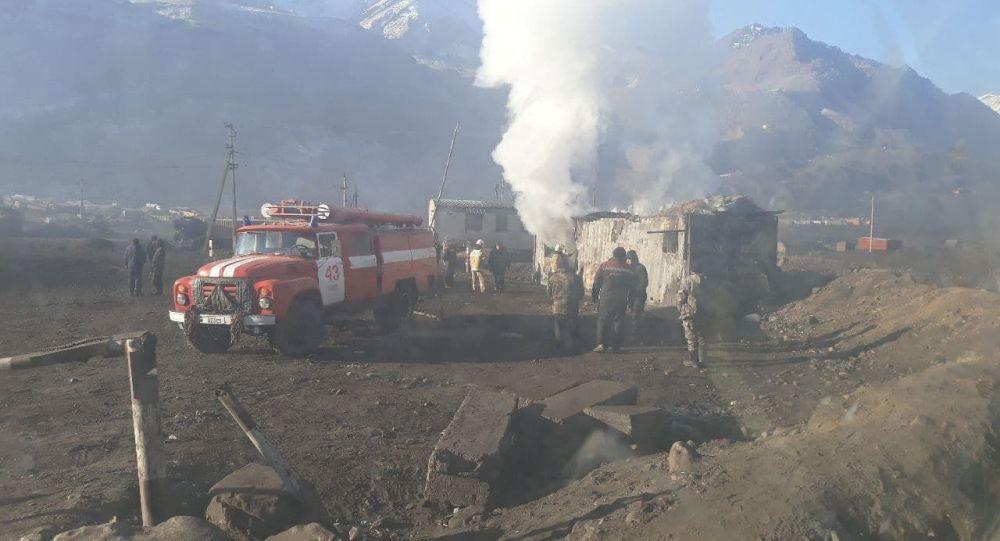 Пожар на угольном месторождении Кара-Кече в Нарынской области