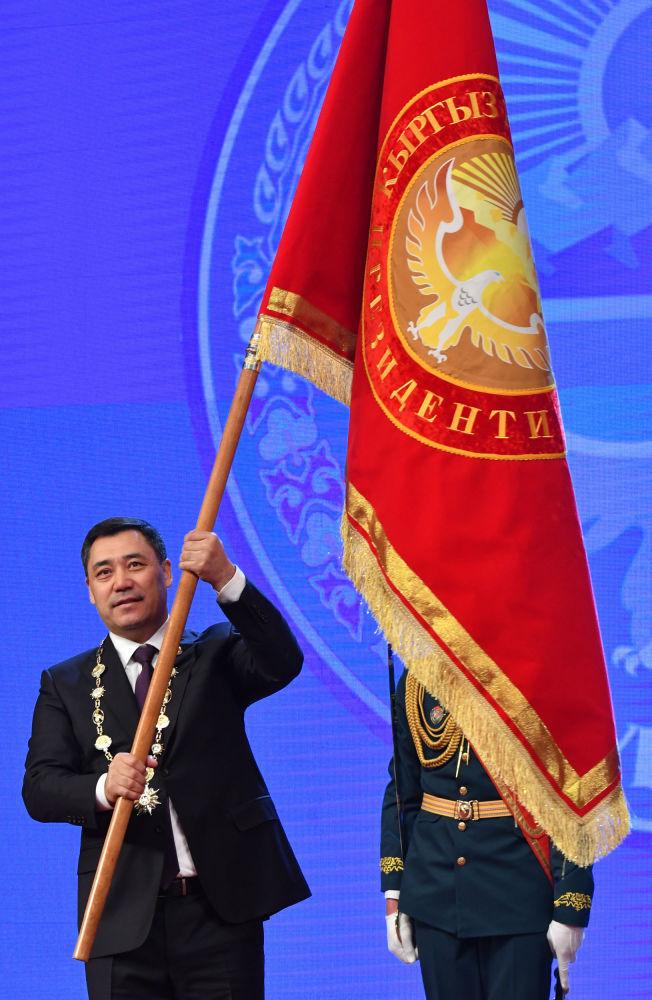 Садыр Жапаров - Кыргызстандын алтынчы президенти болуп калды