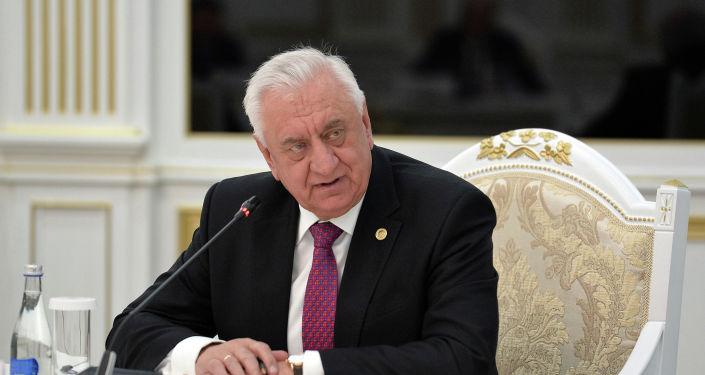 Председатель коллегии Евразийской экономической комиссии Михаил Мясникович на встрече с президентом КР. 28 января 2021 года