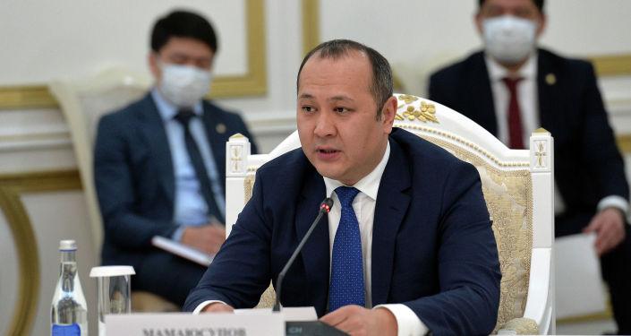 Генеральный секретарь ТюркПА Алтынбек Мамаюсупов на встрече с президентом КР. 28 января 2021 года