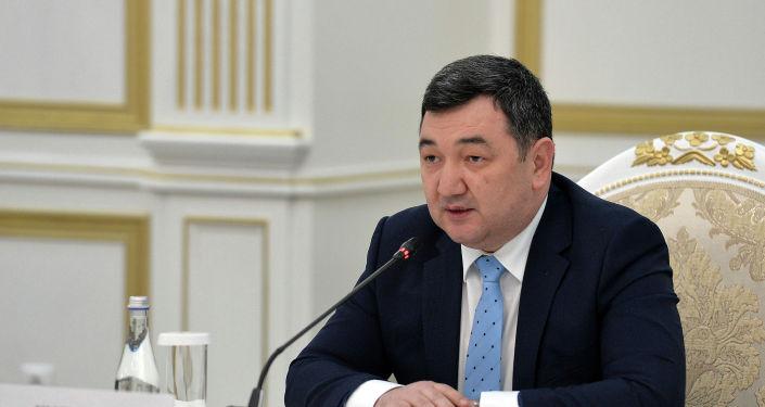 Президент Международной Тюркской Академии Дархан Кыдырали на встрече с президентом КР. 28 января 2021 года