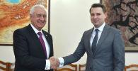 И.о. премьер-министра Артем Новиков встретился с председателем Коллегии Евразийской экономической комиссии (ЕЭК) Михаилом Мясниковичем