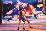 Спортсмены во время схватки в рамках чемпионата Кыргызстана по вольной борьбе